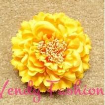 Žlutozlatý květ do vlasů