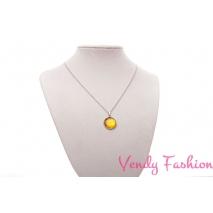 Ocelový náhrdelník s malovaným zlatě metalickým žlutým kabošonem