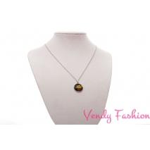 Ocelový náhrdelník s malovaným žlutým kabošonem s proužky