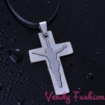 Náhrdelník s ocelovým křížkem a Kristem