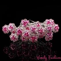 Vlásenka s růžovou růžičkou