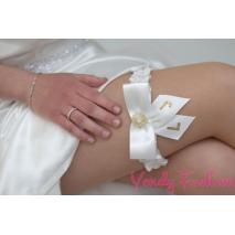 Svatební podvazek s iniciály
